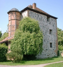 Garz stone tower house, the living quarter from the 13th to the 17th century.