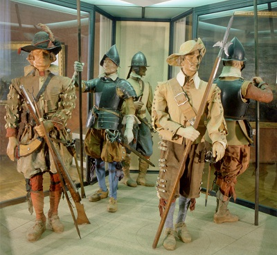 Musketeers and pikemen from the period of the Thirty Years' War (Military History Museum, Vienna)