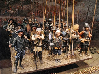 A model of a section of a pike and shot formation from the Thirty Years' War on display at the Army Museum in Stockholm.