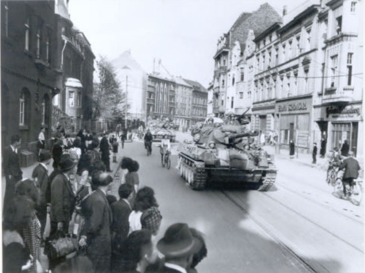 American troops entering Düsseldorf on April 17, 1945